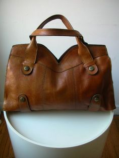 I rarely, if ever, pin any bags, but I crave this one!!  Must have it!!  I wish!!  Italian Vintage Tote Bag Boho 1970s Tan Brown Leather