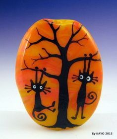 Easy paint rock for try at home (stone art & rock painting ideas Pebble Painting, Pebble Art, Stone Painting, Stone Crafts, Rock Crafts, Diy Crafts, Posca Art, Halloween Rocks, Rock And Pebbles