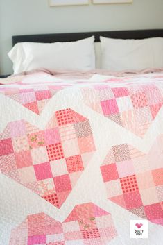 Scrappy Hearts Quilt + a QAL - Quilty Love, Best Picture For patchwork quilting for beginners For Your Taste You are looking for something, and it is going to Twin Quilt Pattern, Heart Quilt Pattern, Patchwork Quilt Patterns, Modern Quilt Patterns, Patchwork Bags, Sewing Patterns, Patchwork Heart, Patchwork Fabric, Quilting Patterns