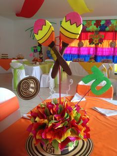Centros demesa Mexican Birthday Parties, Dance Party Birthday, Mexican Fiesta Party, Fiesta Theme Party, 80th Birthday, Carnival Decorations, Mexican Party Decorations, Party Centerpieces, Party Time
