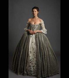 Outlander wedding dress | terrydresbach.com