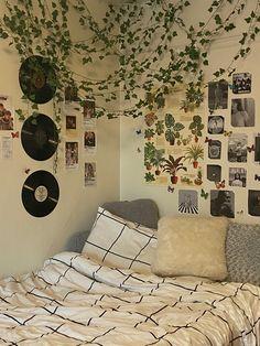 Room Design Bedroom, Room Ideas Bedroom, Bedroom Inspo, Room Ideias, Indie Room Decor, Indie Bedroom, Retro Room, Cozy Room, Aesthetic Bedroom