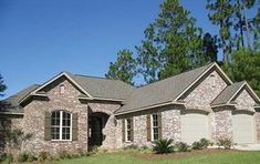 Ranch House Plan with 1800 Square Feet and 3 Bedrooms from Dream Home Source | House Plan Code DHSW076851