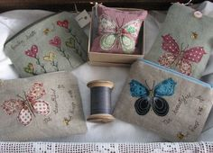 these butterflies are beautiful - - - Purses - Dear Emma Designs Freehand Machine Embroidery, Free Motion Embroidery, Free Machine Embroidery, Embroidery Applique, Applique Quilts, Applique Patterns, Applique Designs, Sewing Patterns, Fabric Crafts