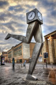 Clyde Clock - just outside Buchanan Bus Station, Glasgow. My workplace in the background!