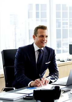 Gabriel Macht in Suits Suits Usa, Mens Suits, Guys In Suits, Harvey Specter Anzüge, Trajes Harvey Specter, Suits Harvey, Suits Tv Series, Suits Tv Shows, Gentleman Mode