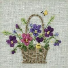 Hand Embroidery Projects, Embroidery Flowers Pattern, Hand Embroidery Stitches, Crewel Embroidery, Hand Embroidery Designs, Vintage Embroidery, Ribbon Embroidery, Embroidered Flowers, Cross Stitch Embroidery