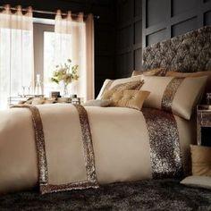 GLAMOROUS natural Duvet Cover Pink Bedding, Black Bedding, Quilt Bedding, Luxury Bedding, Bedding Sets, Luxury Duvet Covers, Bed Duvet Covers, Duvet Cover Sets, Christmas Bedding