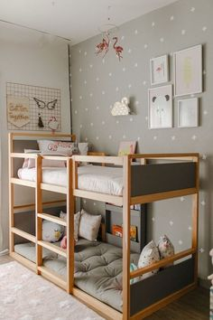 35 Fascinating Shared Kids Room Design Ideas - Planning a kid's bedroom design can be a lot of fun. Kids Bedroom Designs, Bunk Bed Designs, Kids Room Design, Bedroom Ideas, Trendy Bedroom, Girls Bedroom, Kid Bedrooms, Childs Bedroom, Girl Rooms