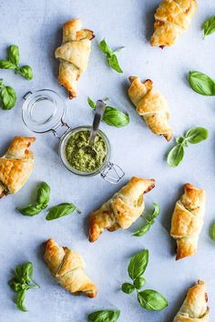 Puff pastry with homemade pesto, serrano and cheese