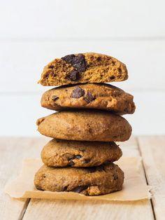 Dinkelplätzchen mit Kürbis und Schokolade (vegan)   http://eatsmarter.de/rezepte/dinkelplatzchen-mit-kurbis-und-schokolade-vegan