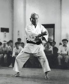 Vater des modernen Karate-Do. Shotokan Karate, Karate Kata, Best Martial Arts, Martial Arts Weapons, Martial Arts Styles, Taekwondo, Dojo, Goju Ryu, Academia Militar