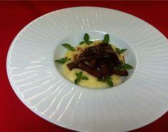 Seitan al Sangiovese con Polenta di Soia e Curry - Natura Nuova - Polpe di Frutta e Gastronomia Vegetale
