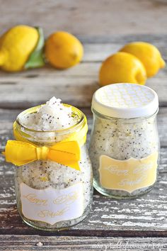 Lemon poppy seeds sugar scrub + free printable