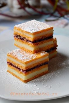 Romanian Desserts, Romanian Food, No Bake Desserts, Dessert Recipes, Good Food, Yummy Food, Homemade Cookies, Sweet Cakes, Bakery