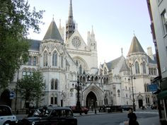 Great London Buildings: The Royal Courts of Justice