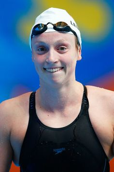 Katie Ledecky Photos - Swimming - FINA World Championships: Day Ten - Zimbio Olympic Swimmers, Olympic Sports, Swimming Photos, Katie Ledecky, Le Champion, American Legend, Rio 2016, Summer Olympics, Extreme Sports