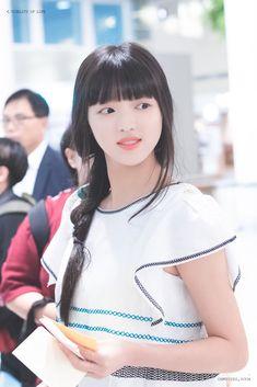Kpop Girl Groups, Korean Girl Groups, Kpop Girls, Best Baby Items, Oh My Girl Yooa, Baby Boy Quilts, Girl Next Door, Trendy Baby, Beautiful Actresses