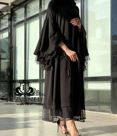 Modern Hijab Fashion, Street Hijab Fashion, Hijab Fashion Inspiration, Abaya Fashion, Muslim Fashion, Couture Fashion, Fashion Outfits, Estilo Abaya, Mode Abaya