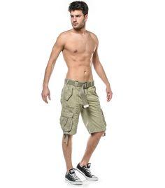 Short Cargo pour homme 100% coton ! Un short décontracté, idéal pour l'été avec ses grandes poches et sa ceinture pratique ! Livraisons 48H & Retours Gratuits !
