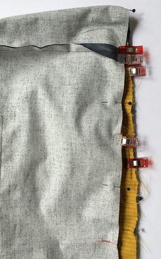 Grand sac fourre-tout décontracté en tissu velours. - Octavie à Paris Coin Couture, Diy And Crafts, Paris, Suzy, Deco, Detail, Chiffon, Scrappy Quilts, Craft