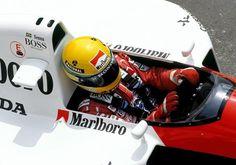 Ayrton Senna testando o MP4-4 nos testes realizado em Ímola