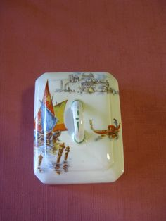 1930s Butter /cheese dish - LID ONLY- no makers marks, features loves Venice scenes. in excellent condition. $20 +pp to Australia only.