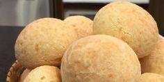 O Pão de Queijo Maravilhoso da Ana Maria é delicioso, fácil de fazer e rende muito. Você pode assar uma parte da receita e congelar a outra parte, para ter
