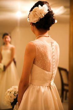 gnome ウェディングドレス Lace Weddings, Wedding Gowns, Wedding Fascinators, Weeding Dress, Courthouse Wedding, Up Styles, Headdress, Bridal Collection, Wedding Makeup