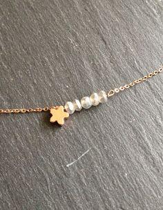 collier ras de cou fin brillant étoile labradorite : Collier par les-bijoux-de-co