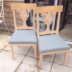 The last two chairs back in time for dinner for 8 #reupholstery #warwick #fabric