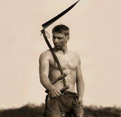 La maldad guadaña lo que la bondad siembra. Bello cuerpo que rindes y luego espolias. No soy guerrero para tu guerra. Soy solo peón en ...