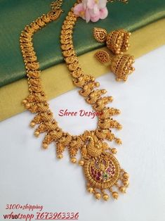 Whatsapp 7673963336 to buy. Gold Jewellery Design, Gold Jewelry, Gold Necklace, 1 Gram Gold Jewellery, Bridal Necklace, Simple Necklace, Jewelry Art, Gold Earrings, Indian Jewelry Sets