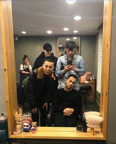 """ story update with Jiyong, T.P and Youngbae before their enlistment GDYB cut their hair together 🐉🔝🌞💕"" Top Bigbang, Daesung, Yoga Fitness, G Dragon Top, Top Choi Seung Hyun, Bigbang G Dragon, Ji Yong, Ig Story, Yg Entertainment"