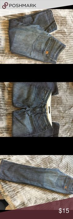 Jeans jeans Amiee cropped Capri size 29 Great condition great cropped length. Joe's Jeans Jeans Ankle & Cropped