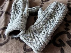 New Year Mitts
