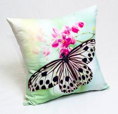 Cojines decorativos Stenciled Pillows, Diy Pillows, Decorative Throw Pillows, Bed Cover Design, Dragonfly Decor, Fabric Paint Designs, Painted Clothes, Fabric Painting, Creations