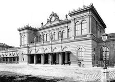 The Vienna Staatsbahnhof (state station) (from Ostbahnhof) in 1880 Austro Hungarian, Her World, Vienna Austria, Big Ben, Berlin, Louvre, Black And White, History, City