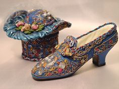 If The Shoe Fits Blue Filigree Miniature Shoe and Hat Box