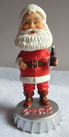 Hardees Coca Cola Santa Bobble-head Figure 2002 Coca Cola Decor, Coca Cola Santa, Merry Christmas, Christmas Ornaments, Bobble Head, Coke, Holiday Decor, Smile, Collection