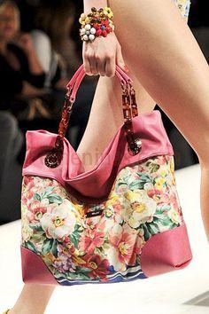 Carteras de moda http://www.femeninas.com/carteras-de-moda.asp