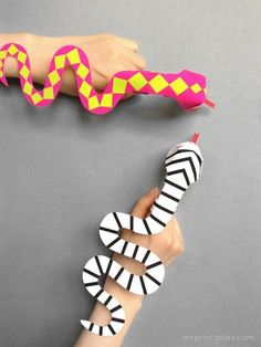 What fun, finger puppet snakes! They'll love creating and playing with these all day long.