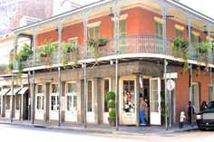 New #Orleans, #Louisiana.  Love the balconies and dangling #plants.  Such a fun #city!