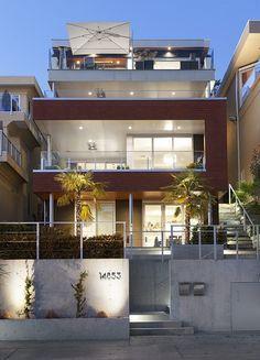 Modern Beach House Exterior
