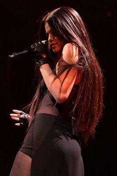 Waoo Mee encanta su melena。◕‿◕。 Ojala mi pelo fuera como este #SelenaGomez #hairgoals
