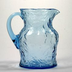 Vintage Antique This large pitcher holds 64 ounces and measures in height and 5 in diameter at the base. In excellent condition the pitcher has no chips, nicks or cracks at all. Glass Vessel, Glass Art, Glass Pitchers, Crackle Glass, Glass Collection, Antique Glass, Vintage Antiques, 1960s, Chips