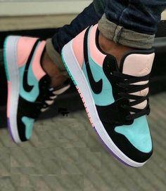 Cute Nike Shoes, Cute Nikes, Cute Sneakers, Nike Air Shoes, Cute Nike Outfits, Nike Shoes For Women, Nike Free Outfit, New Nike Sneakers, Shoes Sneakers