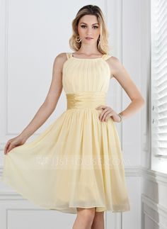 A-Line/Princess Scoop Neck Knee-Length Chiffon Charmeuse Bridesmaid Dress With Ruffle (007004142) - JJsHouse