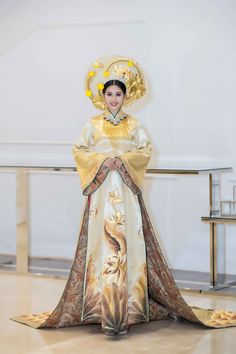 Ao Dai Vietnam, Traditional Dresses, Costume Design, Character Inspiration, Glamour, Gowns, Elegant, Wedding Dresses, How To Wear