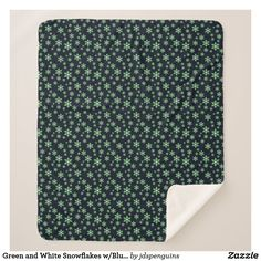 Green and White Snowflakes w/Blue Background Sherpa Blanket